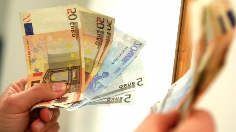 Un polițist din Valu lui Traian a refuzat 800 de euro mită de la un bărbat prins la volan fără permis de conducere