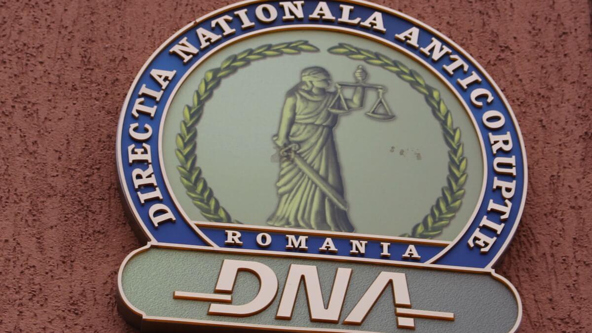 Medic de familie din Constanța, urmărit penal pentru că ar fi ajutat un condamnat la muncă în folosul comunității să scape de obligație