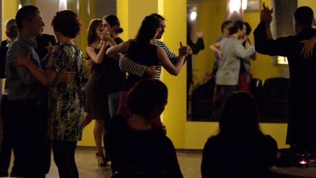 """#Concurs """"Constanța NEWS"""" te cheamă la dans. Două invitații la cel mai bun curs de Tango de la malul mării"""