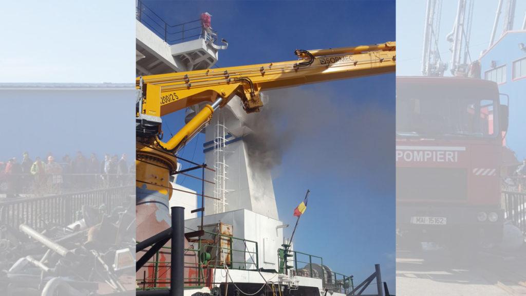FOTO Incendiu puternic pe nava Hercules în Portul Constanța