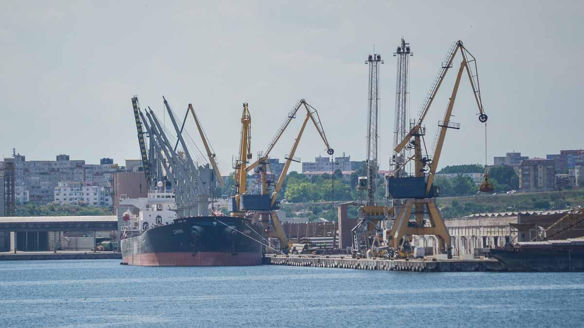 Peste 25.000 de tone azotat de amoniu sunt depozitate la această oră în portul Constanța. Explozia din portul Beirut ar fi fost declanșată de depozitarea improprie a unei cantități de aproape 10 ori mai mică
