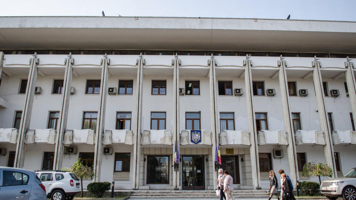 Județul Constanța intră în scenariul doi, cu excepția localităților Constanța, Mangalia, Costinești, Cumpăna, Limanu, Lumina, Tuzla care rămân în scenariul trei