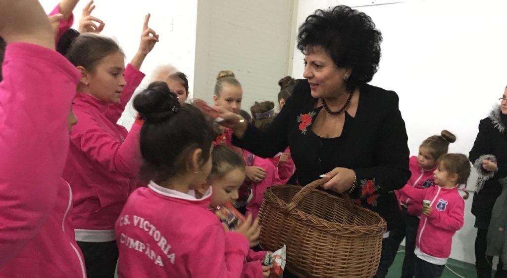 FOTO VIDEO Moș Crăciun a venit la copiii din Cumpăna. Cum l-au așteptat micuții sportivi din comuna Constănțeană și ce își doresc cu adevărat micuții