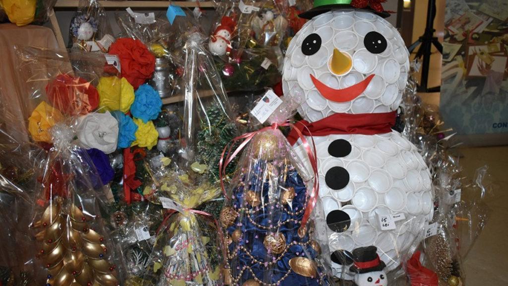 FOTO S-a deschis Târgul de Crăciun organizat de copiii și adulții din centrele DGASPC Constanța cu adevărate opere de artă, unicat!