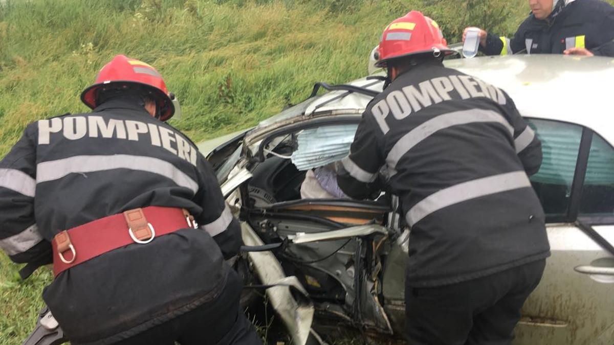 O tânără de 29 de ani a murit într-un accident rutier petrecut la ieșire din Chirnogeni
