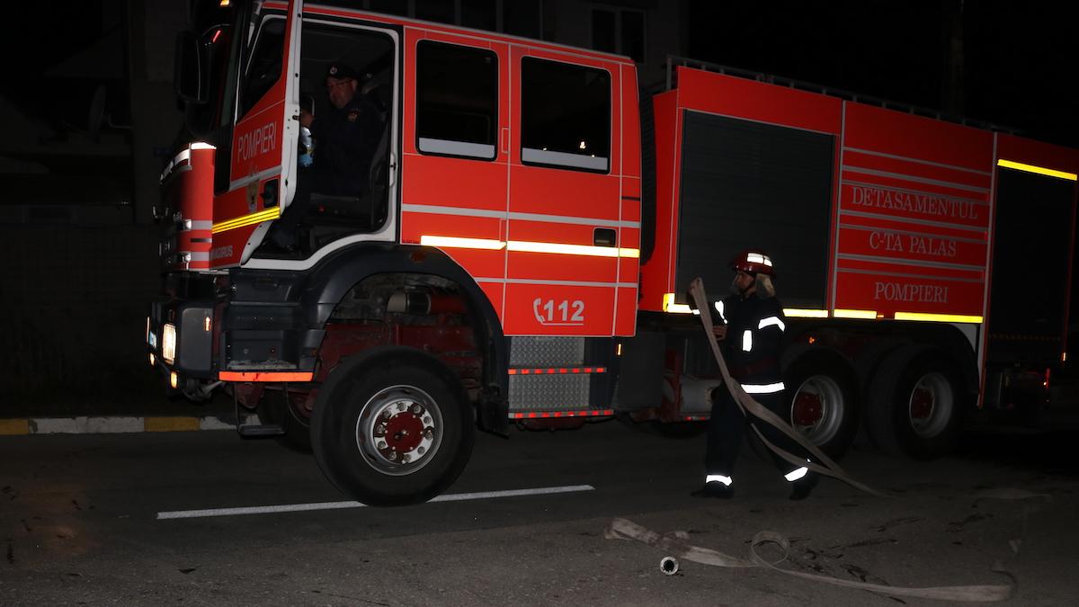Hotel evacuat în Venus după ce un incendiu a izbucnit într-o cameră de la etajul cinci