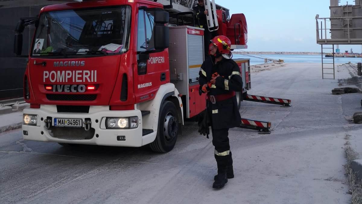 Alertă în Portul Constanța: incendiu la bordul unei nave purtătoare de containere