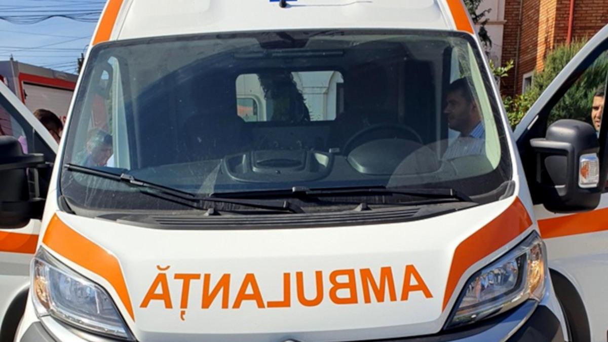 Elev de liceu din Constanța, agresat în timp ce era în pauză, în afara unității de învățământ, de un bărbat. Polițiștii au deschis o anchetă