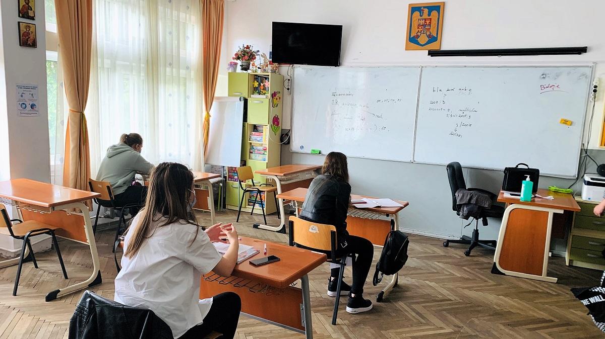 Modificări privind scenariile de funcționare pentru două unități de învățământ din Constanța și Tuzla