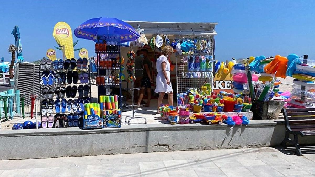 VIDEO Amenzi contravenționale în sumă de peste 400.000 de lei, aplicate de Protecția Consumatorului pe plaja din Eforie Nord