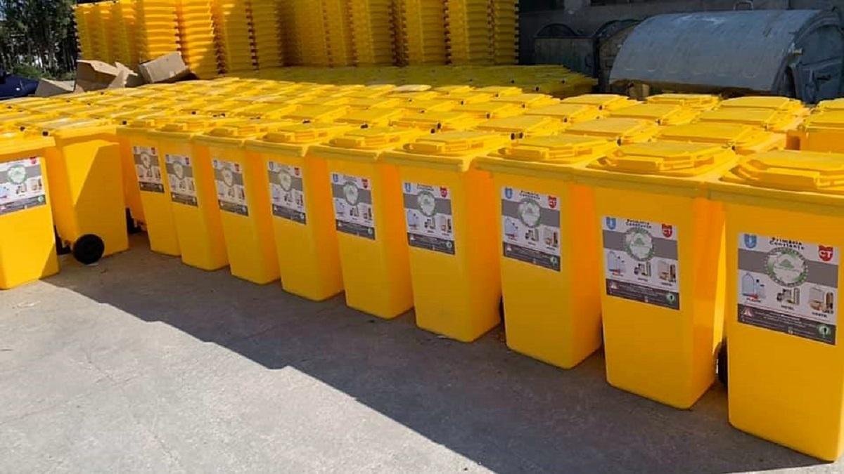 Polaris M Holding Constanța continuă distribuirea pubelelor galbene către constănțenii care locuiesc la case