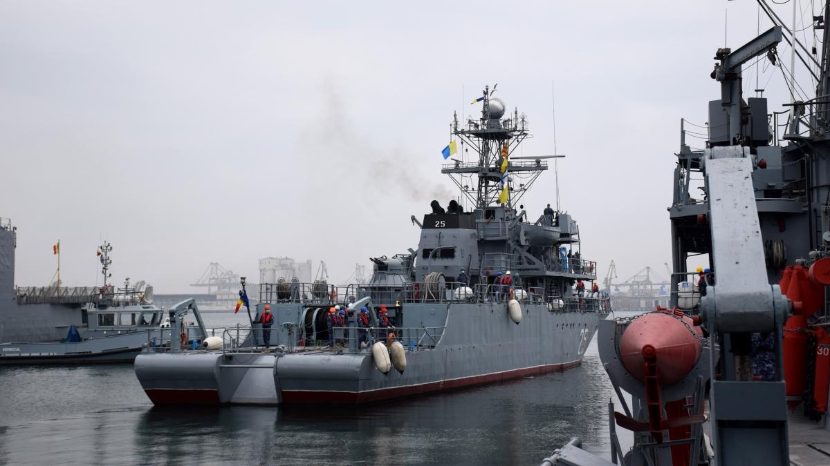 """Dragorul maritim """"Locotenent Lupu Dinescu"""" încheie ultima misiune NATO din anul 2020"""