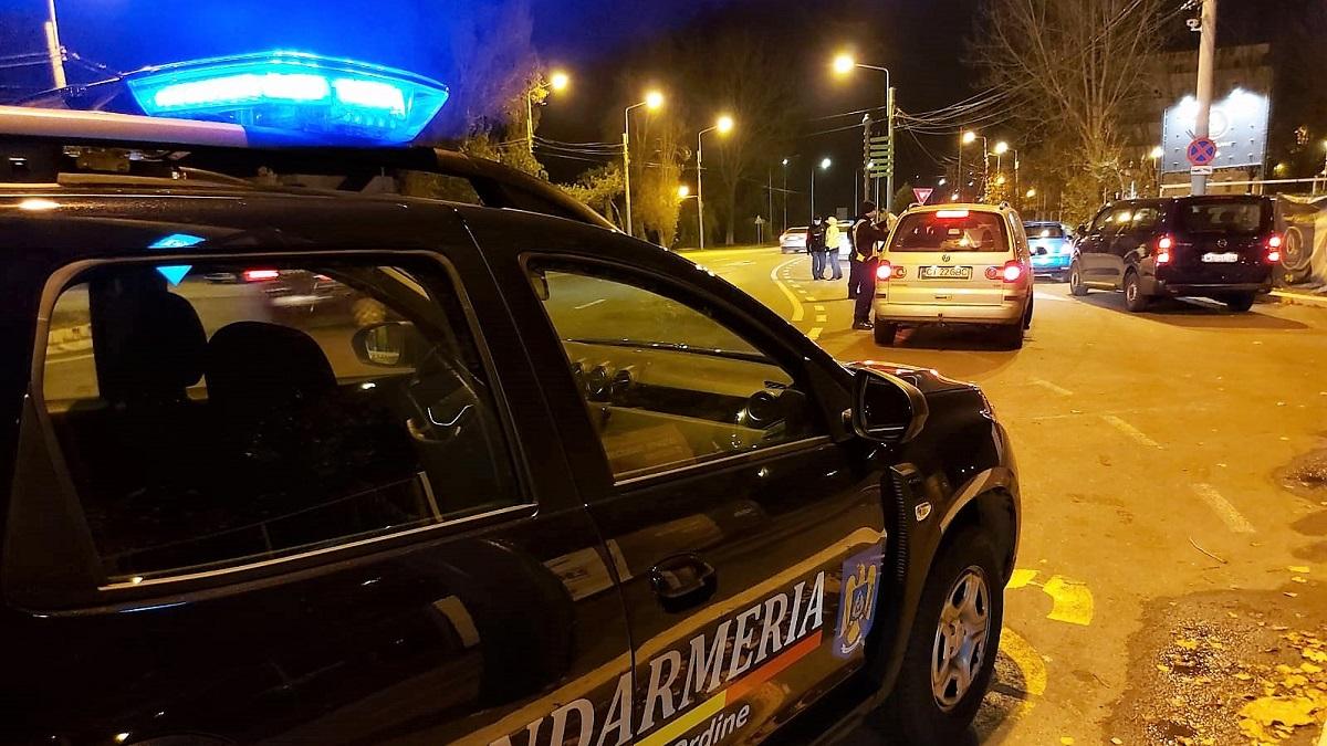 Petrecere de adolescenți, stricată de polițiști în Mamaia. Petrecăreții s-au ales cu amenzi de 2.750 de lei