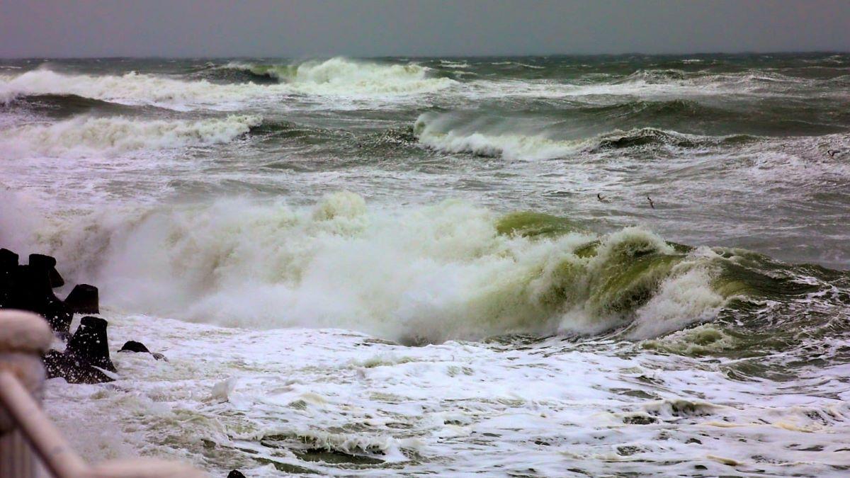 Cod galben de vânt puternic la Constanța, valabil până ora 20.00