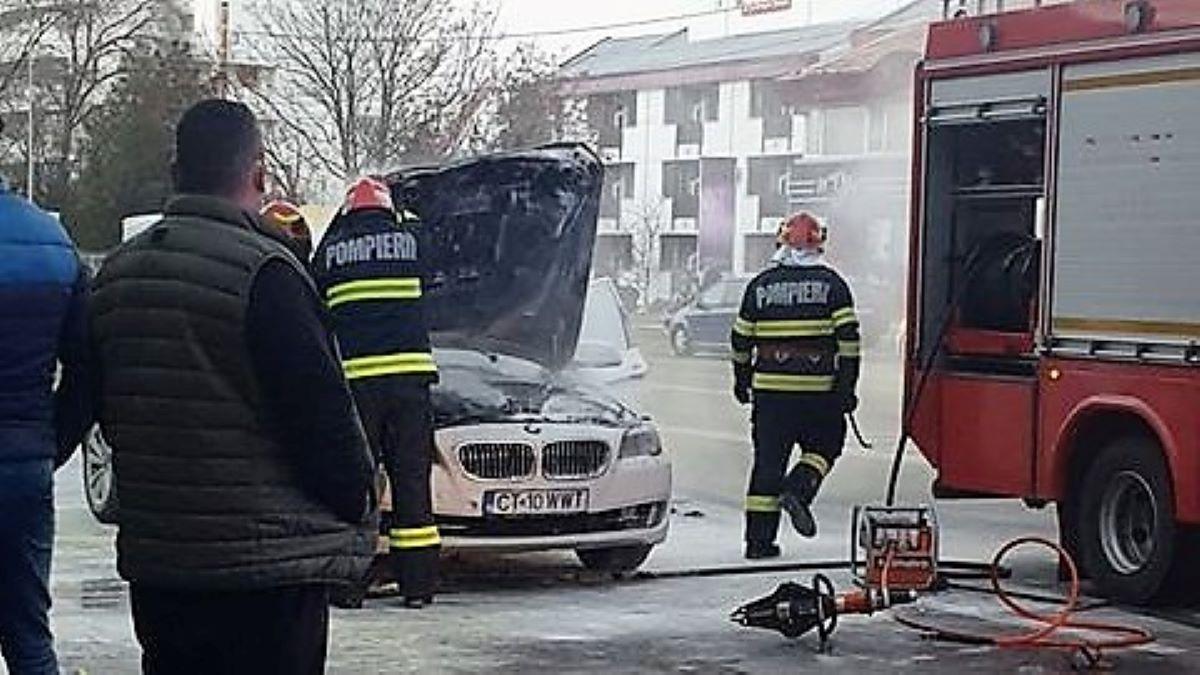 VIDEO BMW seria 5, distrus într-un incendiu pe bulevardul Lăpușneanu din Constanța