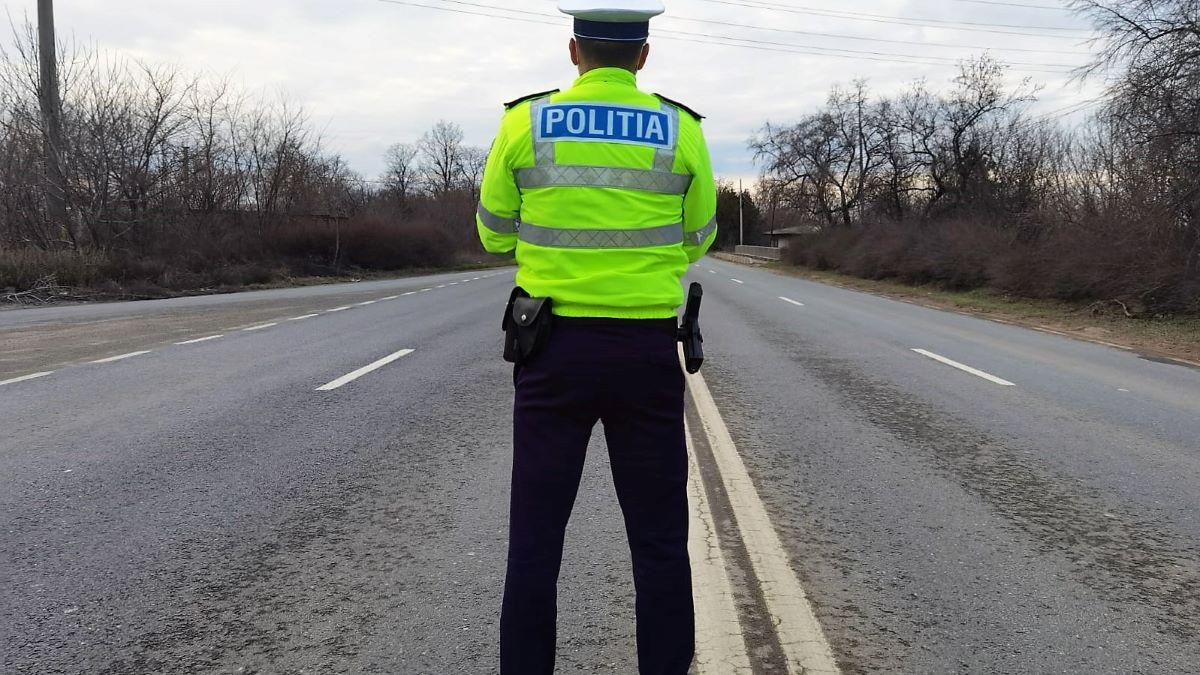 Șofer lăsat fără permis după ce a fost prins de polițiștii constănțeni gonind cu peste 150 km/h pe DN 2A