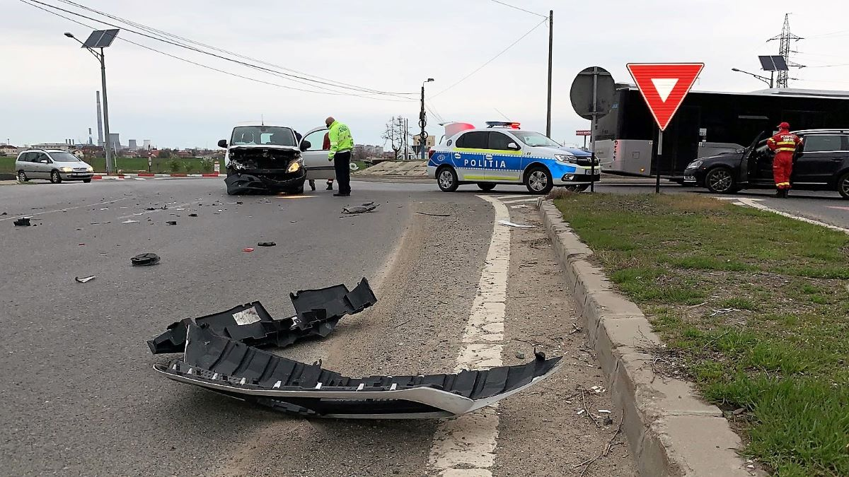 FOTO VIDEO Accident rutier la ieșirea din Constanța spre Cumpăna. Un bărbat a ajuns la spital