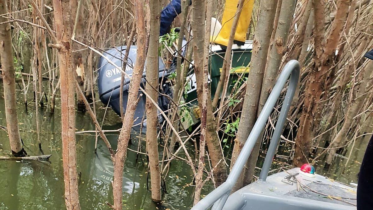 FOTO Bărbat căutat în apele Dunării, la Vadu Oii, după ce ar fi căzut din barcă