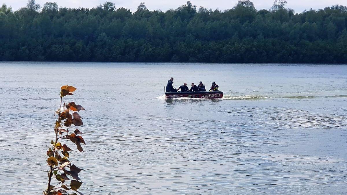 Continuă căutările bărbatului dispărut în Dunăre, în zona Vadu Oii