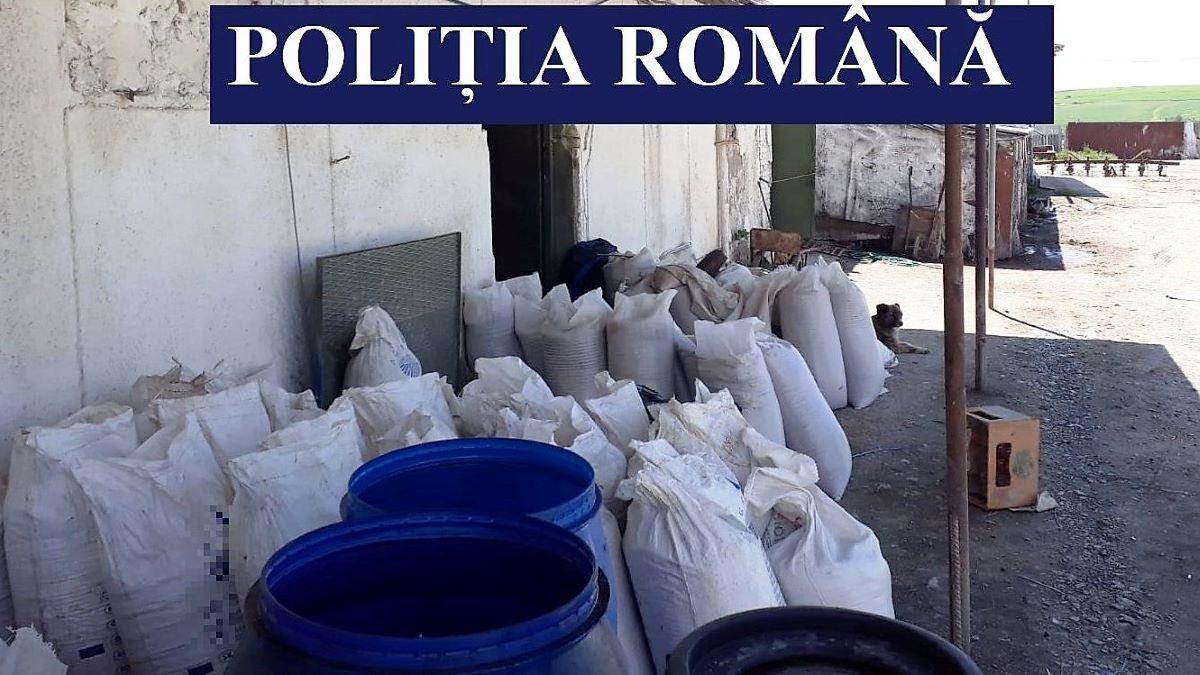 Peste șase tone de cereale și 5,9 tone de azot, descoperite de polițiștii constănțeni într-un dosar de delapidare și tăinuire