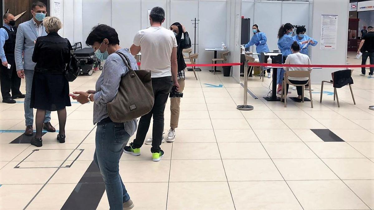 Peste 1.300 de persoane s-au vaccinat împotriva COVID-19 în cadrul maratonului organizat în mall-urile din Constanța
