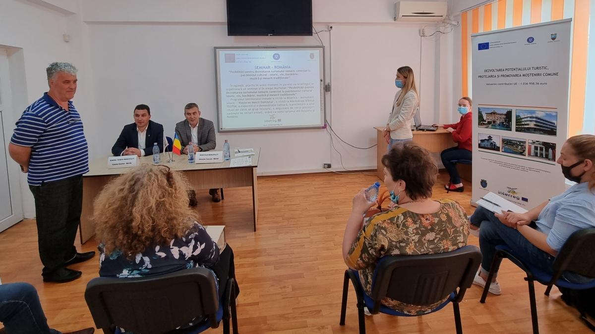 """FOTO Primăria Murfatlar a găzduit un briefing în cadrul proiectului """"Dezvoltarea potențialului turistic, protejarea și promovarea moștenirii comune"""""""