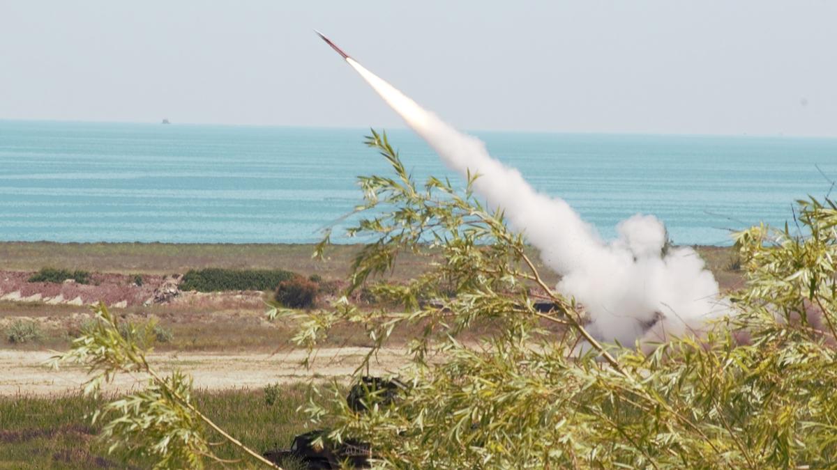 FOTO VIDEO Rachete Patriot și Stinger pe cerul României, în cadrul exercițiilor militare româno-americane DEFENDER-Europe 21 și DACIA 21 LIVEX