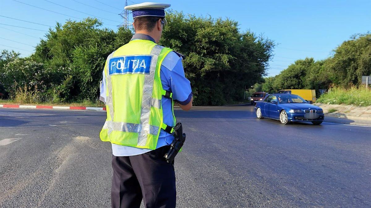 Zece permise de conducere, reținute de polițiștii constănțeni în ultimele două zile pentru viteză excesivă