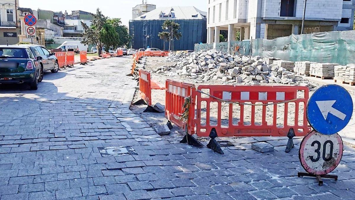 Continuă lucrările de reabilitare a tronsonului delimitat de strada Traian și Cercul Militar. Traficul rutier va fi restricționat total
