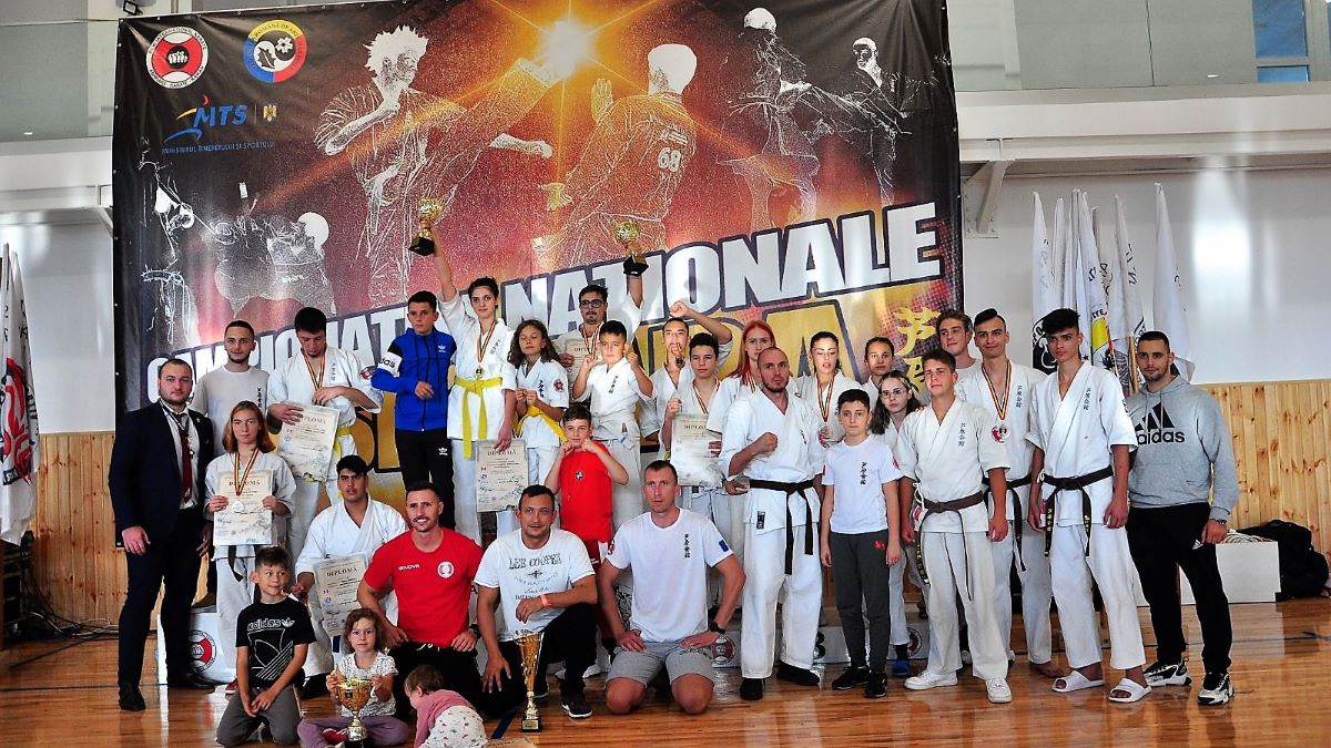 FOTO Patru medalii pentru CS Ovidiu la Naționalele de karate Ashihara de la Brașov